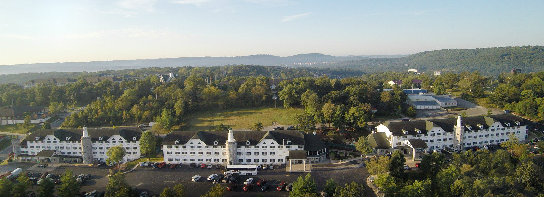 Budget friendly Stone Castle Hotel in Branson