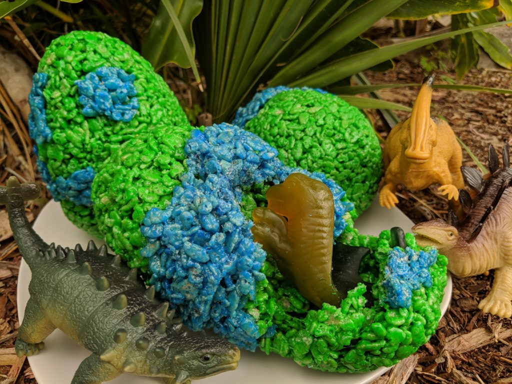 These Jurassic World inspired dinosaur treats are sure to be a hit with kids!