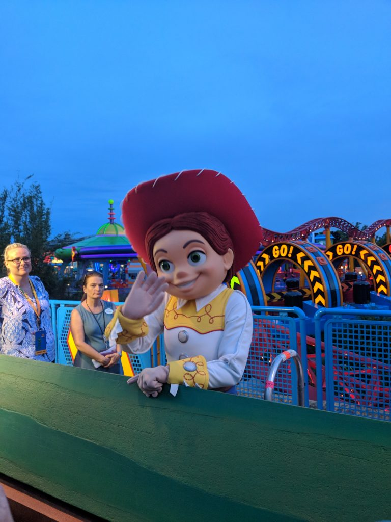 Find out which characters besides Jessie are doing a meet & greets with these Toy Story Land Tips.