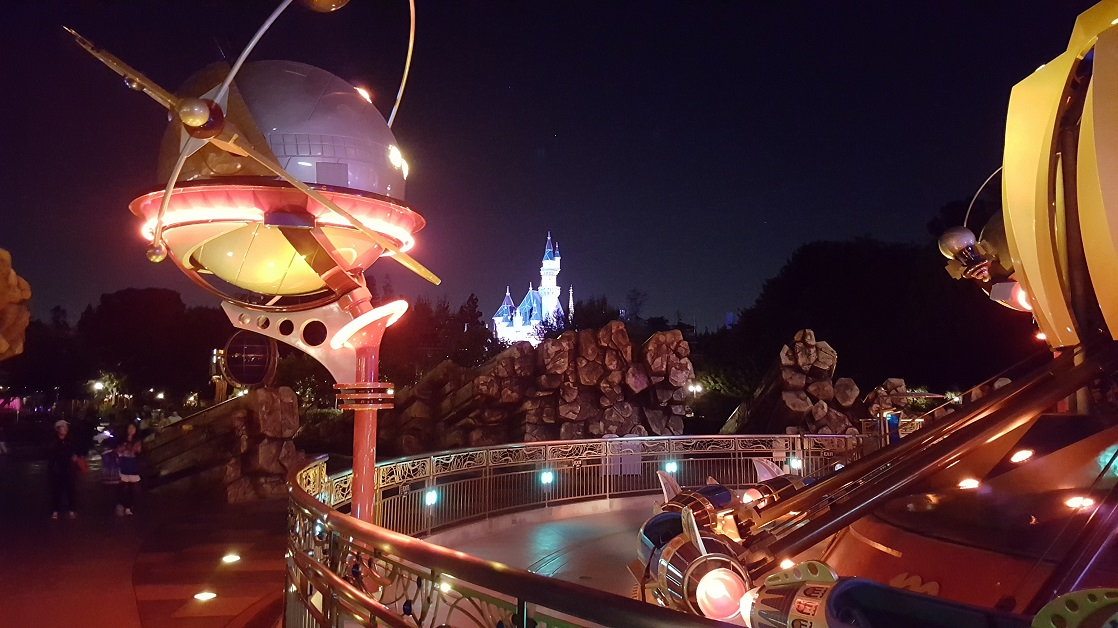 When is the best time of year to visit Disneyland?