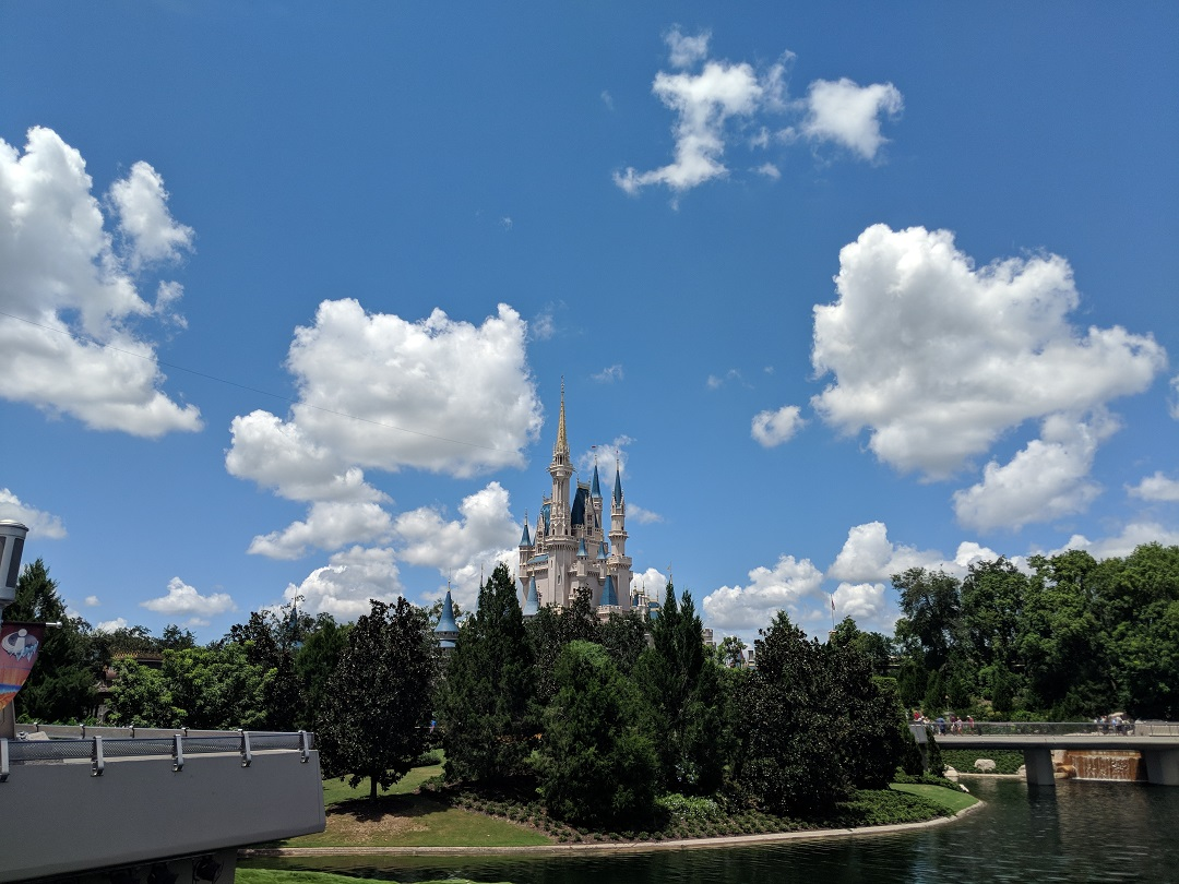 Here's how to snag that hard to get dining reservation at Disney World.