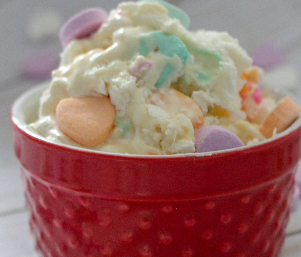 Valentine's Day no churn ice cream is easy to make and yummy to eat!