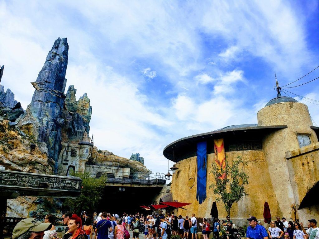 Find out where to eat in Galaxy's Edge!