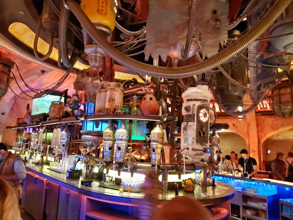 If you're looking for what to eat in Galaxy's Edge you might want to skip Oga's Cantina.