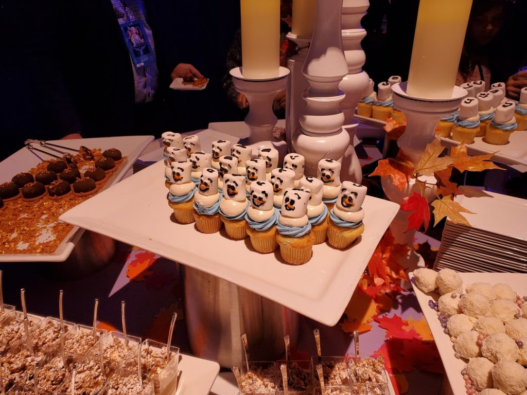 Olaf cupcakes at the Frozen 2 after-party.