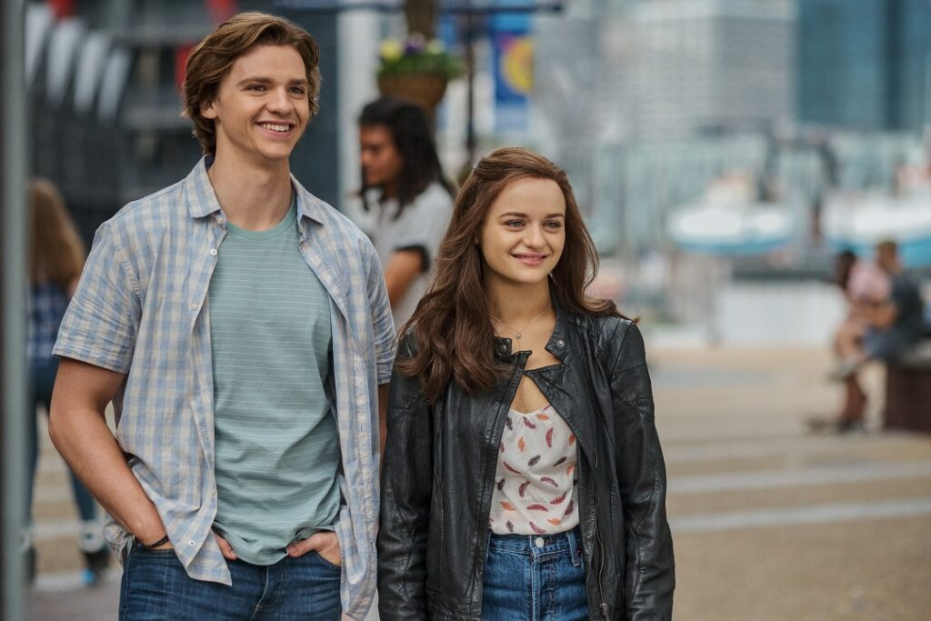 The Kissing Booth 2: Joel Courtney as Lee Flynn, Joey King as Shelly 'Elle' Evans of The Kissing Booth 2. Cr. Marcos Cruz/Netfilx © 2020